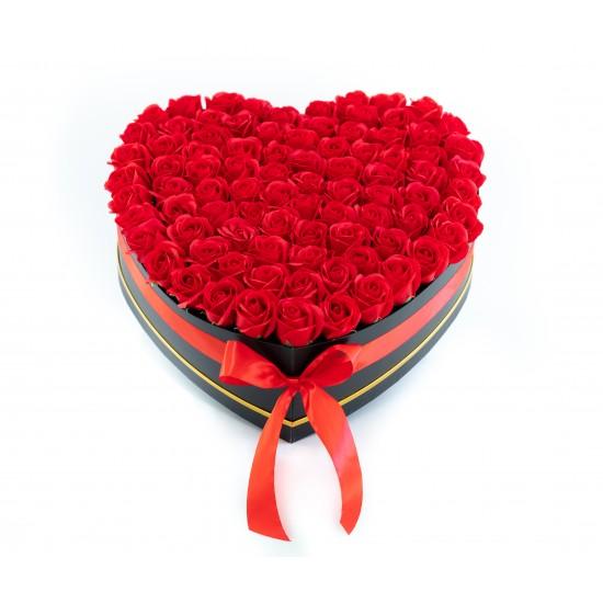 Aranjament cu  87 de trandafiri de sapun Rosii
