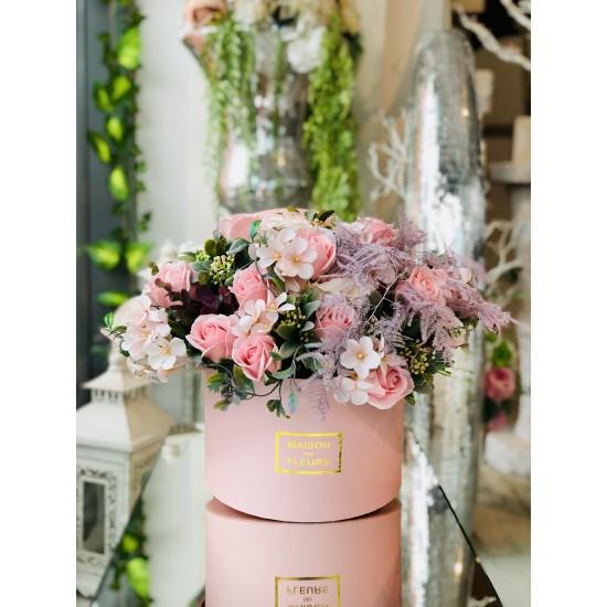 Aranjament cu trandafiri de sapun si flori artificiale Spring
